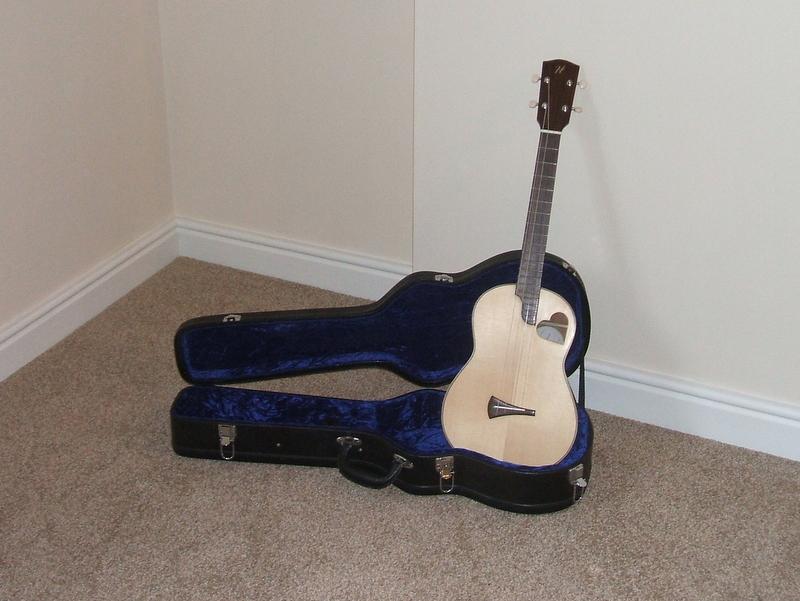 baritone ukulele hilsley guitars. Black Bedroom Furniture Sets. Home Design Ideas